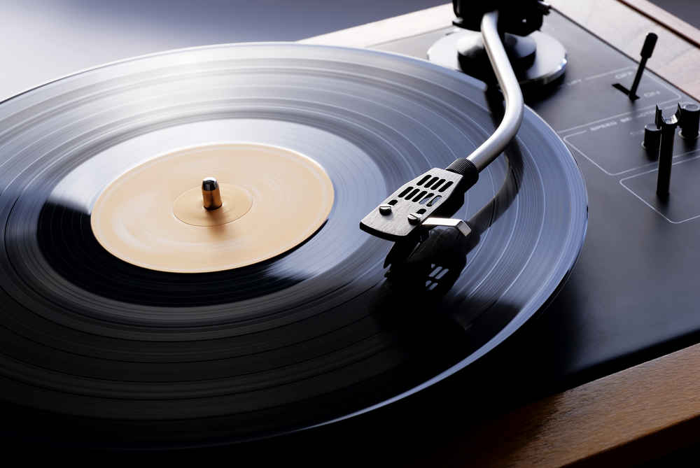 6 Best Vinyl Record Players With Speakers 2019 Chart Attack