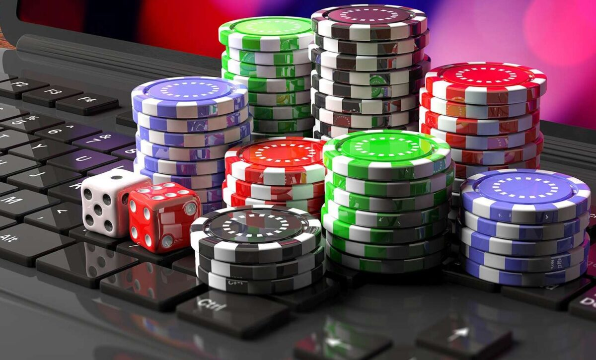 8 Big Advantages of Online Casino Gambling in 2021 - Chart Attack