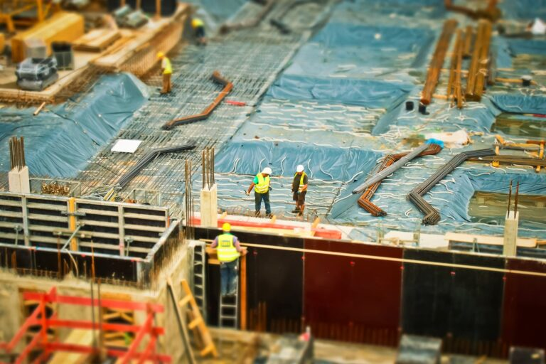7 Important Things to Consider When Looking for a Construction Company