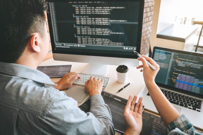 7 Best Software Development Outsourcing Tips thumbnail