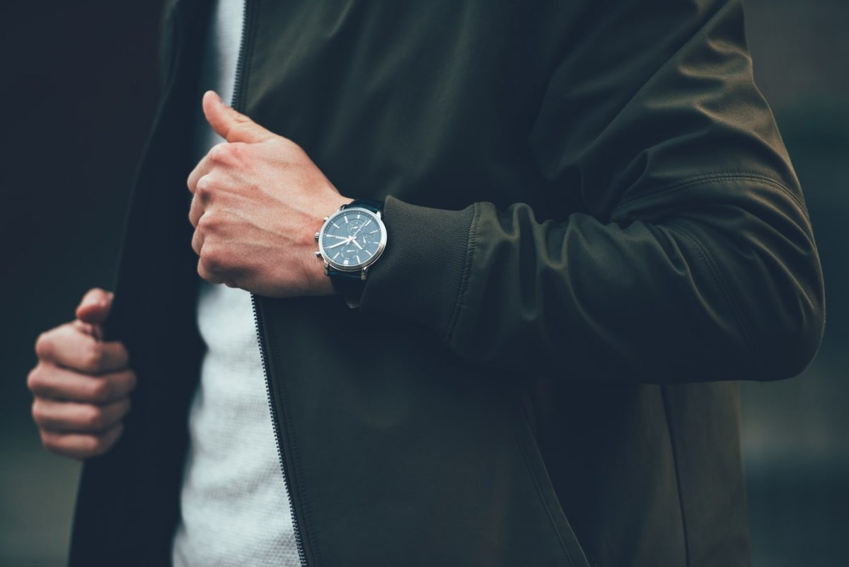 How to Mix and Match A Watch With Your Outfit